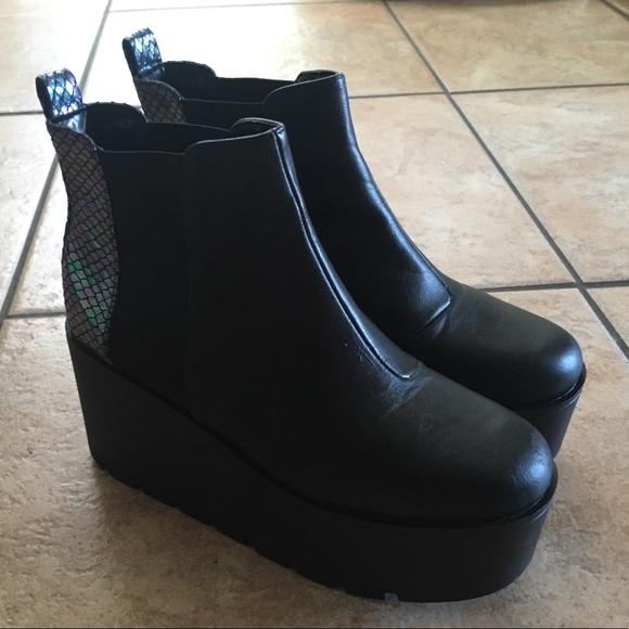 a7d105302b4 Boohoo Shoes - Boohoo Black Platform Boots (8- 8.5)